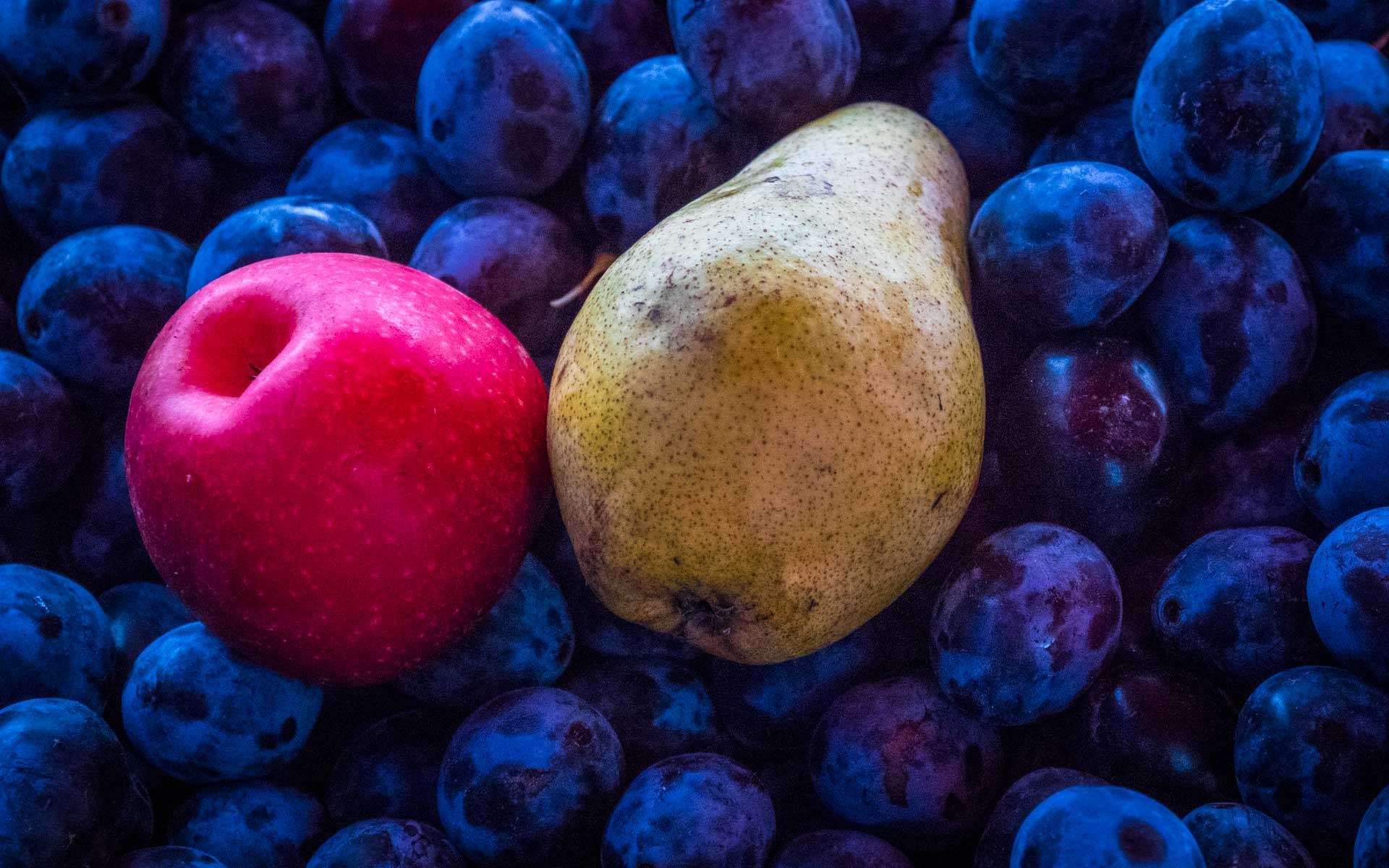 Fruits in the colors of the Romanian flag